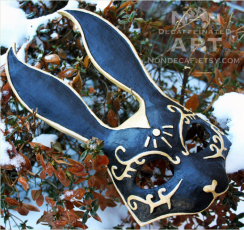 image showing a black and gold rabbit mask based upon the characters from the videogame Bioshock