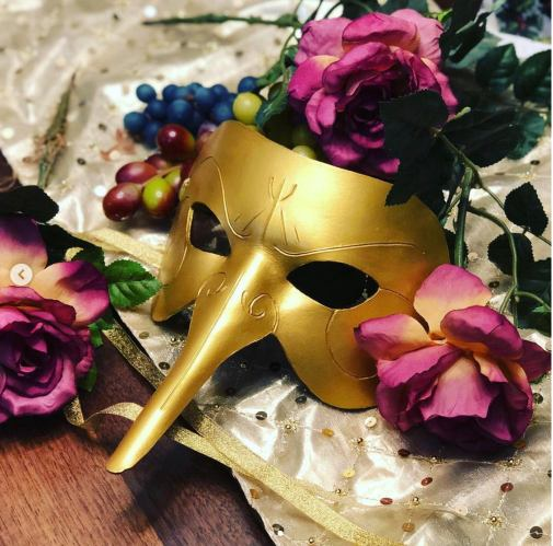 gold carnival mask by nondecaf